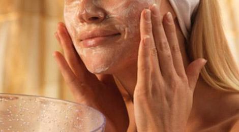 ¿Cómo combatir el acné en adolescentes?